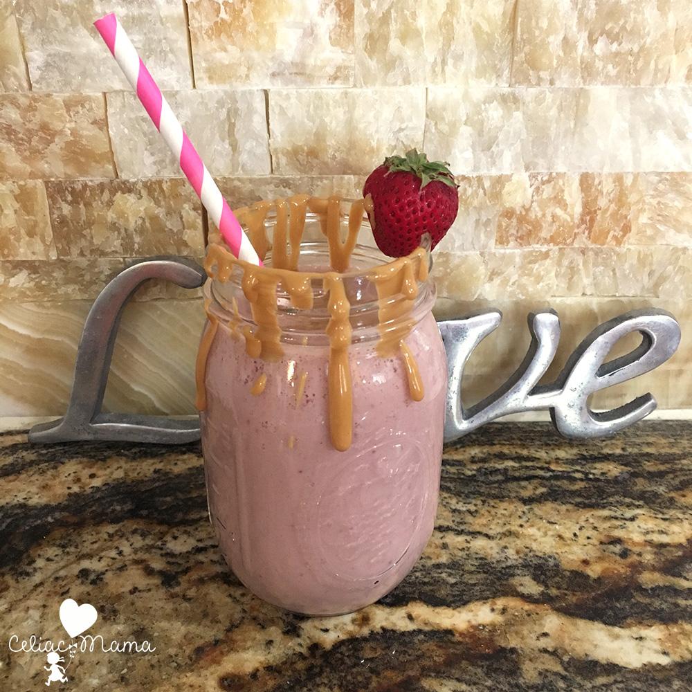 strawberry-banana-almond-smoothie-love