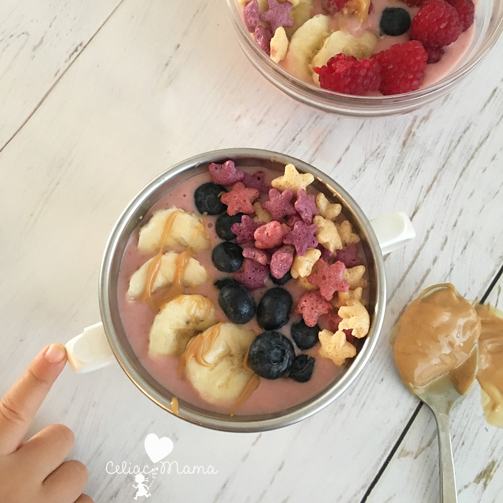 strawberry-banana-kids-smoothie-bowl