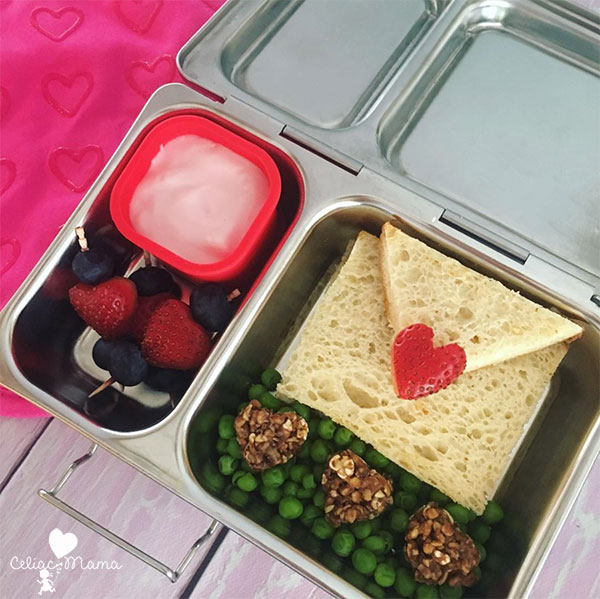 love note themed lunch box with heart shaped food