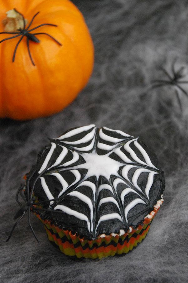 spider web cupcake